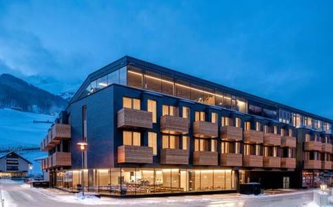 SNOWS - Hotel Die Berg...